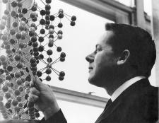 Guy Perrault, géologue et cristallographe, père de l'auteur , dans son laboratoire en 1962